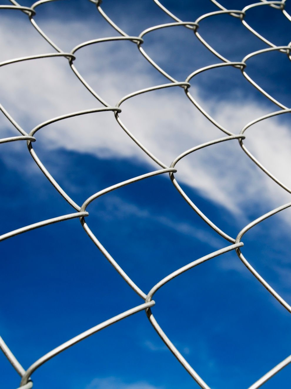 why chain link fence installation is a stylish option
